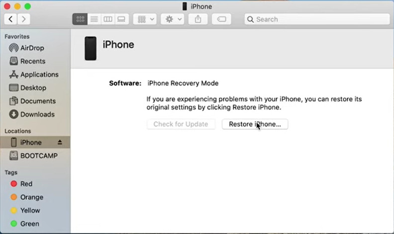 Finder detected the iPhone 12 in recovery mode
